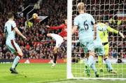 Schmeichel Claims Heatons Save is One of Premier Leagues Best