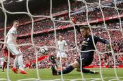 Liverpool Frustrated by United at Anfield