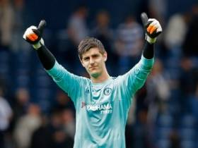 Desember Courtois Siap Bela The Blues