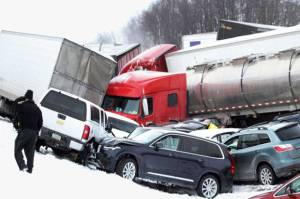50 Vehicle in Pennsylvania Pile Up Several Dead