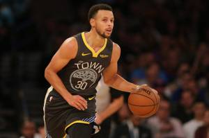 Stephen Curry is Back, Golden State Warriors Menang
