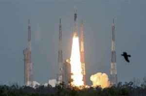 India Overjoyed as ISROs Deep Space Mission Chandrayaan-2 Launches Into Lunar Orbit