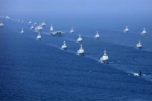 Chinese Carrier Group Sails Through Taiwan Strait, Trailed by US, Japanese Ships