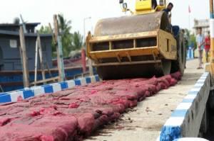 Bea Cukai Kuala Langsa Musnahkan Bawang Merah Ilegal