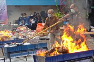 Bea Cukai Yogya Musnakah Ribuan Barang Masuk Indonesia Tanpa Dokumen