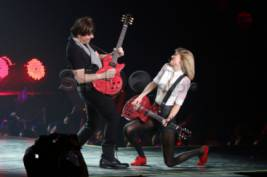Konser Taylor Swift The Red Tour di Ancol
