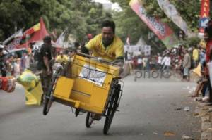 Serunya Drag Race Becak