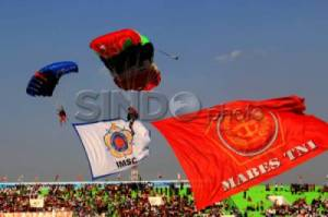 Upacara Pembukaan World Military Parachuting Championship