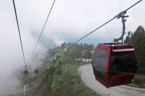 Sensasi Menembus Kabut di Resorts World Genting