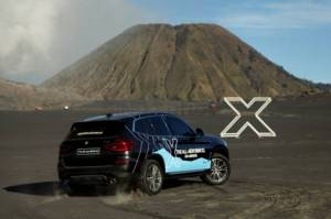 All New BMW X3 Menari di Lautan Pasir Bromo