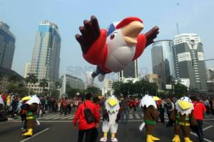 Parade Balon Raksasa Momo Asian Para Games 2018