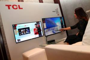 TLC Luncurkan Smart TV