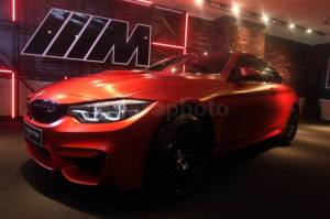 Tampilan Garang BMW M4 Competition di M Town Plaza Indonesia