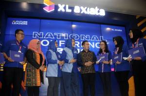 XL Axiata Mewisuda Mahasiswa Program XL Future Leaders