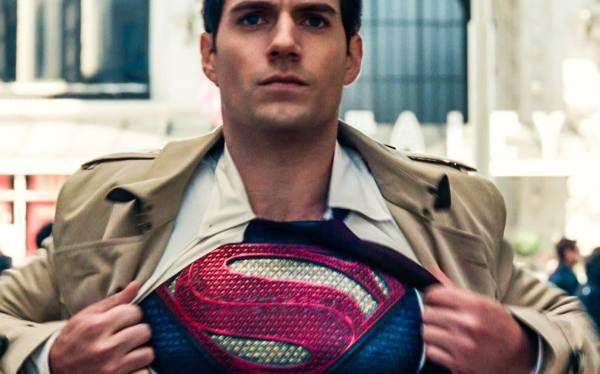Henry Cavill Disebut akan Kembali Tampil sebagai Superman