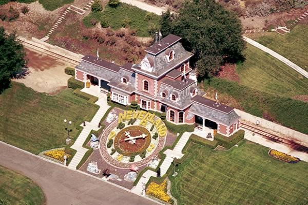 Rumah Nyentrik 10 Pesohor Dunia