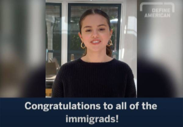 Selena Gomez Beri Pesan Mengharukan untuk Anak Muda Imigran Lulusan 2020