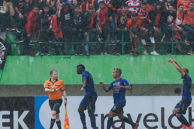 Persib Assumed Referee Too Rush for End Match