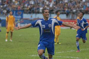 Alves striker PSIS paling rakus