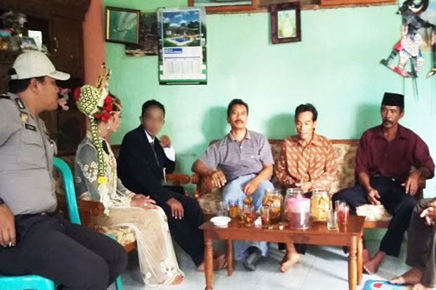 Oops...Wonosobo Police Busted Same Sex Marriage