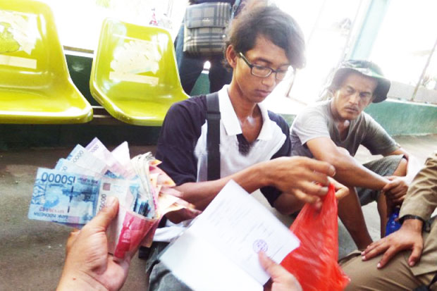 Collect Rp700,000 One Day, This Beggars from Resides Family