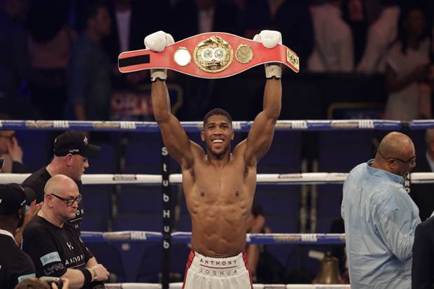 Anthony Joshua Coreng Rekor Dominic Breazeale