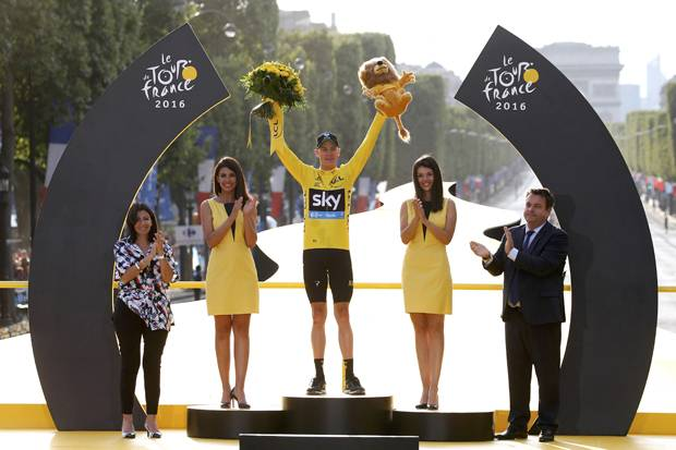 Chris Froome Pertahankan Gelar Juara Tour de France