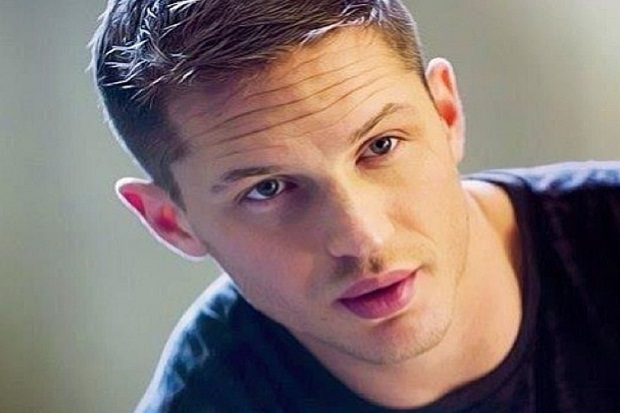 Tom Hardy Gantikan Daniel Criag Jadi James Bond?