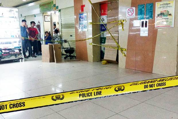 Fall, Blok M Square Elevator Clashed