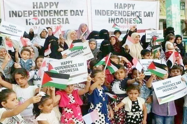 Amazing!! Palestine Children Say Happy Independence Day Indonesia