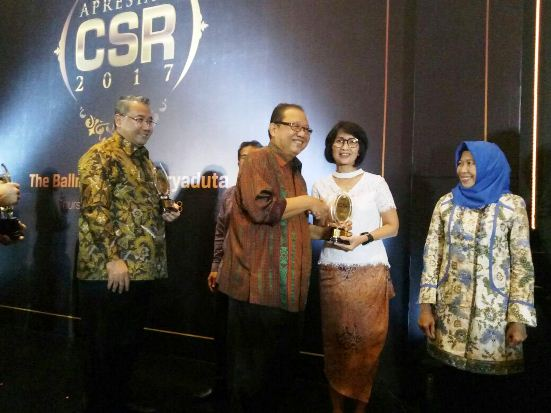 Coca Cola Foundation Indonesia Raih CSR Award SINDO Media