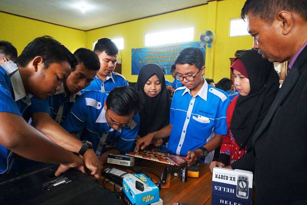 Program Sharp Class Jadi Percontohan CSR di Karawang