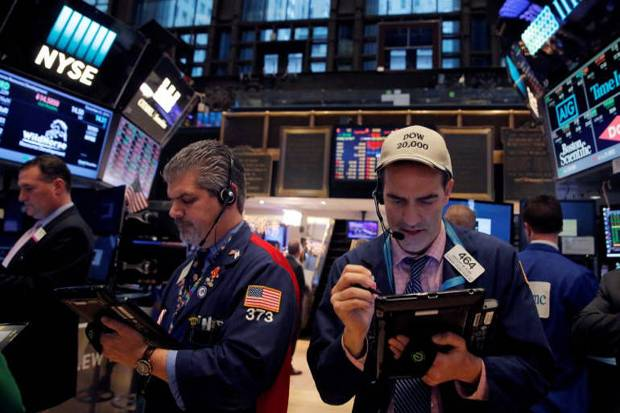 Dow Jones Reli 347 Poin, Wall Street Menguat Pekan...