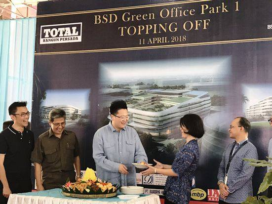 Sinar Mas Land Topping Off Proyek BSD Green Office Park 1