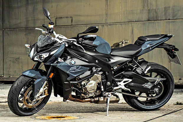 The Artificial Nude Bmw S1000r Facelift Can Travel Tech2