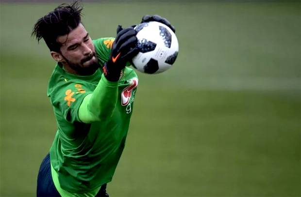 Alisson Becker Pilih Gabung Real Madrid