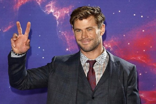 Main Film Komedi, Chris Hemsworth Justru Bicarakan James Bond