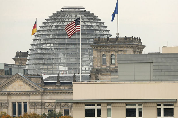 German Lawmakers Urge Reassessment of Russia Sanctions Policy