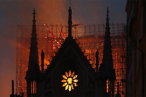 Russia Officially Invited to Join Notre Dame Rebuilding Efforts