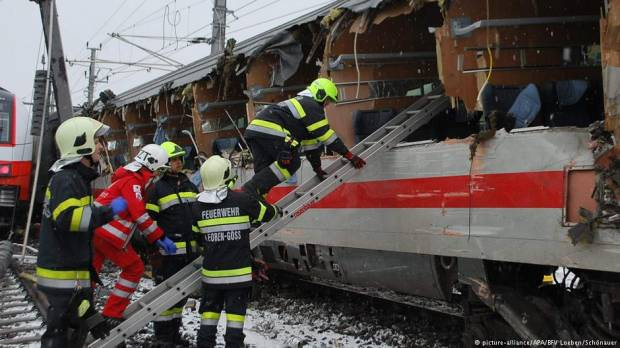 Austria: Deadly train crash rips windows from passenger car