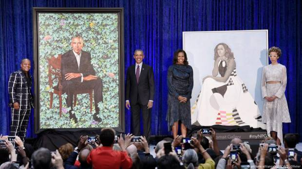 Barack and Michelle Obama portraits unveiled in Washington