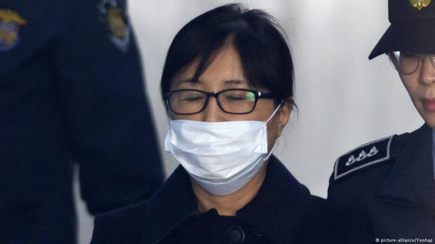 South Korea: Ex-president Park Geun-hyes friend jailed for 20 years for corruption