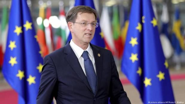 Slovenia: Prime Minister Miro Cerar resigns over court ruling on referendum