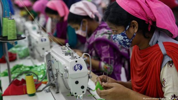 Bangladesh unions reject $95 monthly wage for garment workers