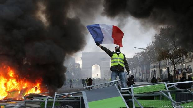 Yellow vest protests under control — French interior minister