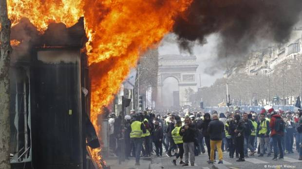 French government admits security flaws in Paris riots