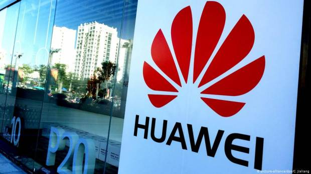 US blacklists Huawei as Trump declares national emergency