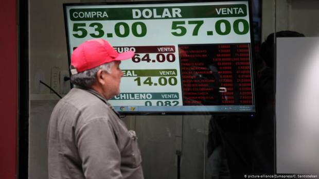Argentinas peso, stock exchange plunge after Macri vote defeat