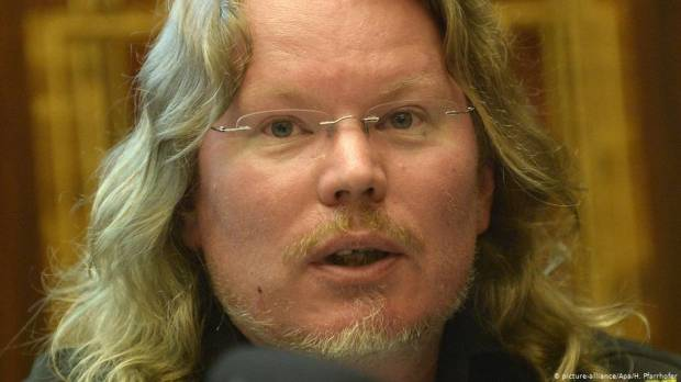 Wikileaks death: Dutch hacking expert had kayaking accident