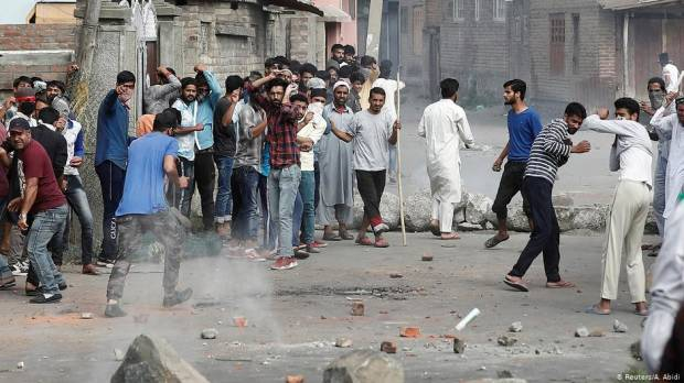 Kashmir protesters clash with security forces